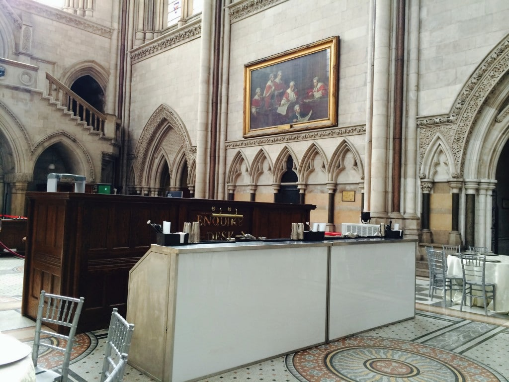 portable-cocktail-bar hire-wedding-royal court of justice-03