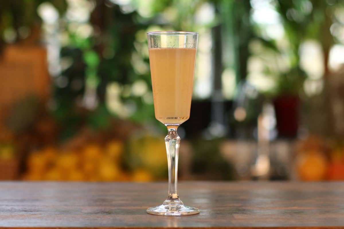 The-Empress-Fizz-cocktail-recipe