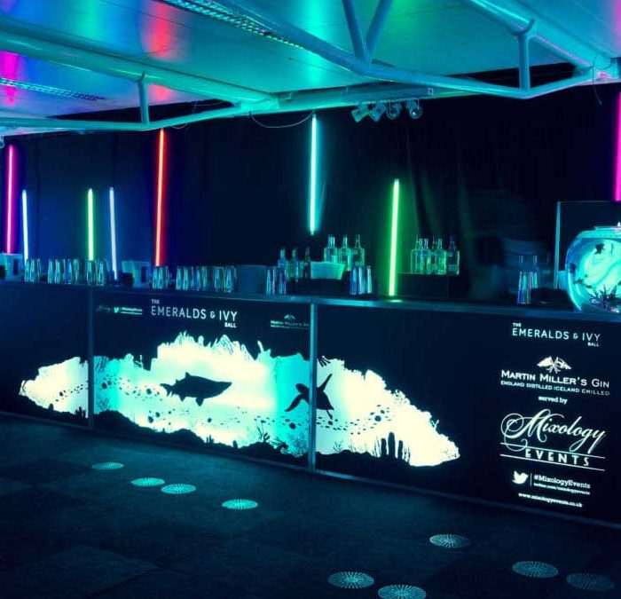 Mobile Bar Hire: 5 Reasons Why You Should Choose Mixology Events